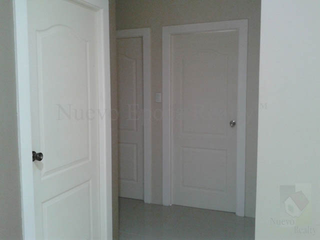 Doors of the 3 bedrooms