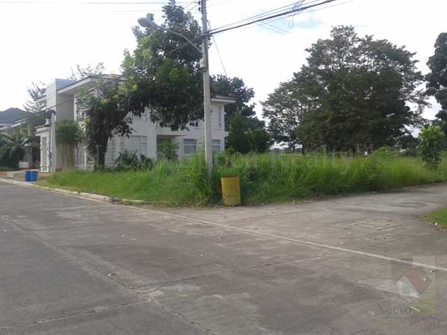 Residential corner lot