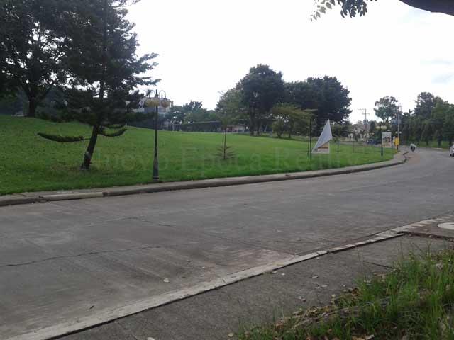 Pueblo de Oro golf driving range